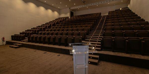 sala de conferencias (1)